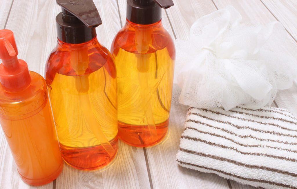 洗顔料とタオル