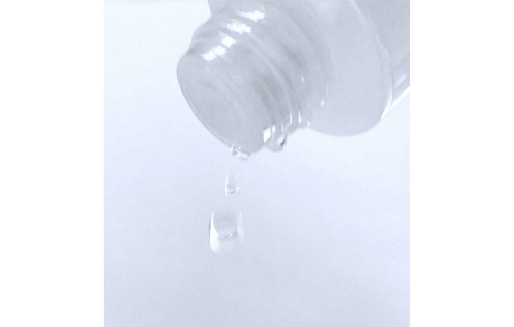 化粧水のしずく
