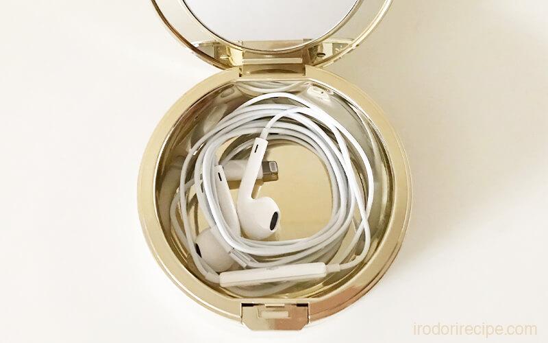 iphoneのイヤホンをミラノコレクションケースに収納